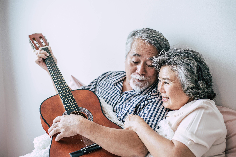 Couple plays guitar together at Broadwell Senior Living in Kearney, Nebraska