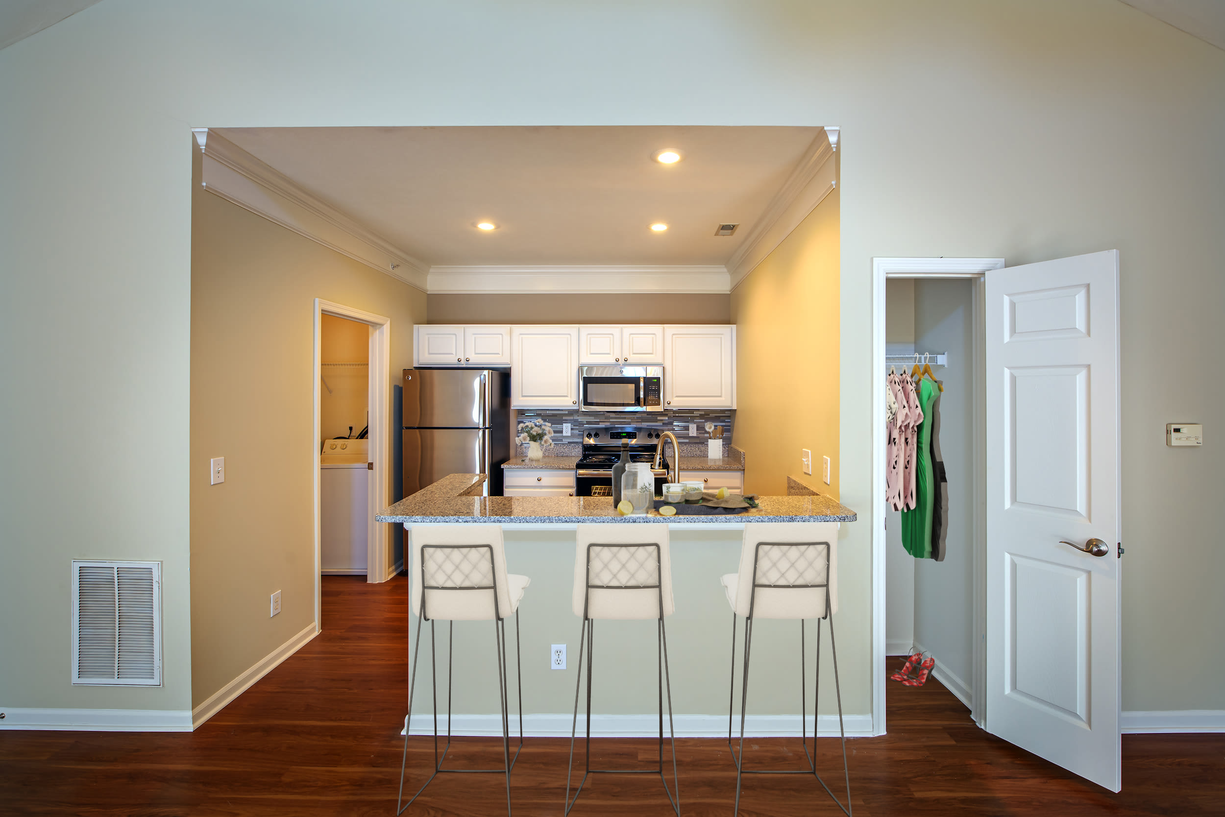 Breakfast bar seating at Christopher Wren Apartments & Townhomes in Wexford, Pennsylvania