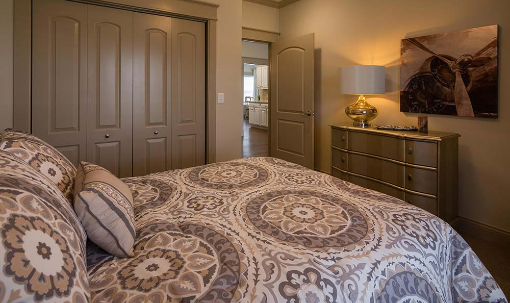 Field Pointe Assisted Living offers a sizable master bedrooms with the finest amenities in Saint Joseph, Missouri