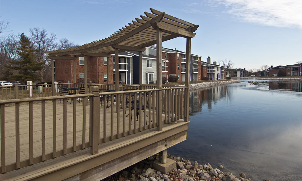 Lakeside Sundeck at Hidden Lakes Apartment Homes in Miamisburg, Ohio