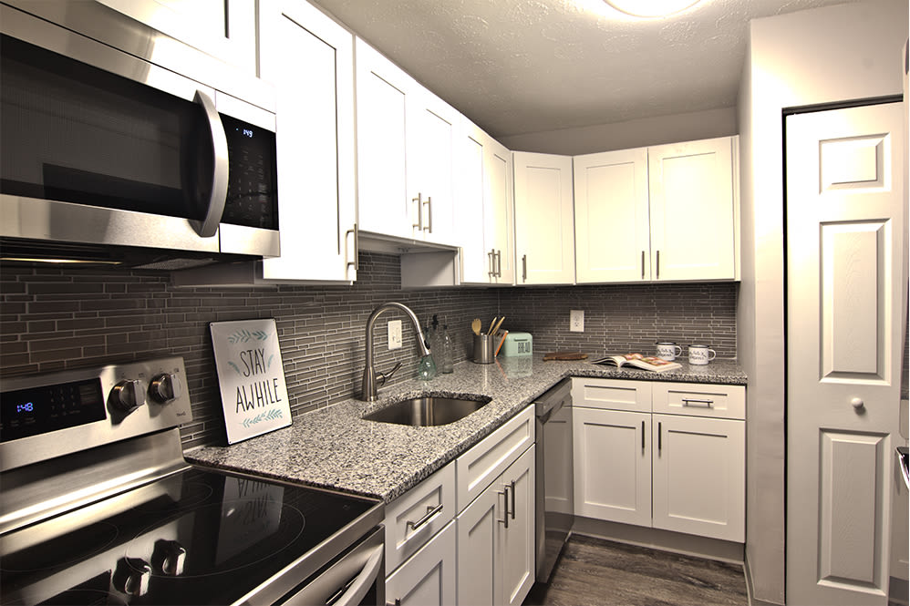 Fully-equipped kitchen at Torrente Apartment Homes in Upper St Clair, Pennsylvania