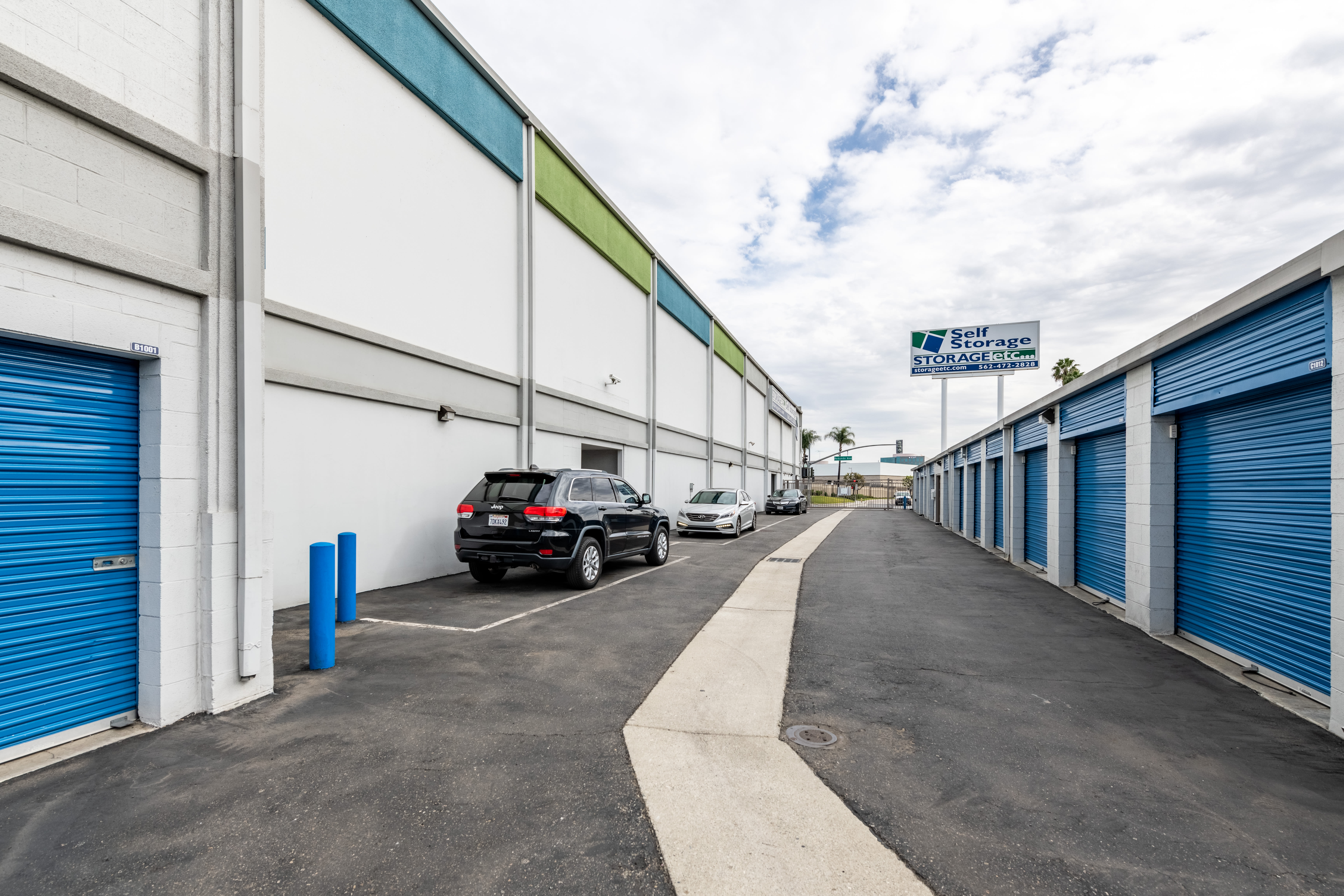 Drive Up Access Outdoor Storage Units at Storage Etc... Long Beach