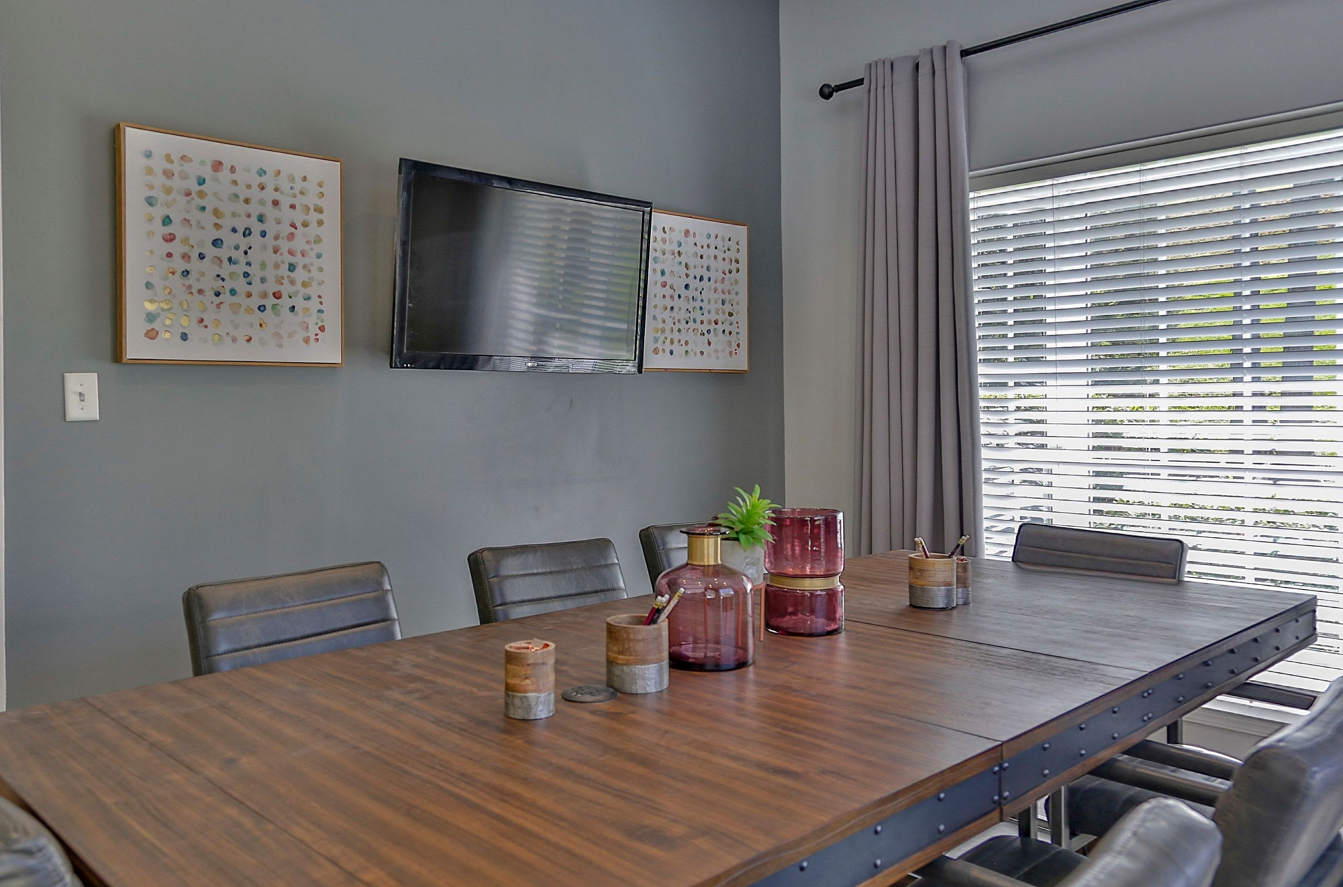 Resident conference room at Allegro on Bell in Antioch, Tennessee