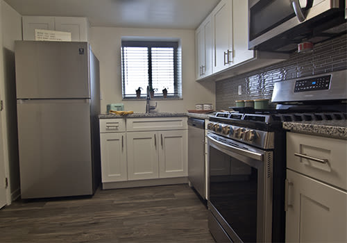Bright, open floor plans at The Avalon Apartment Homes in Avalon, Pennsylvania