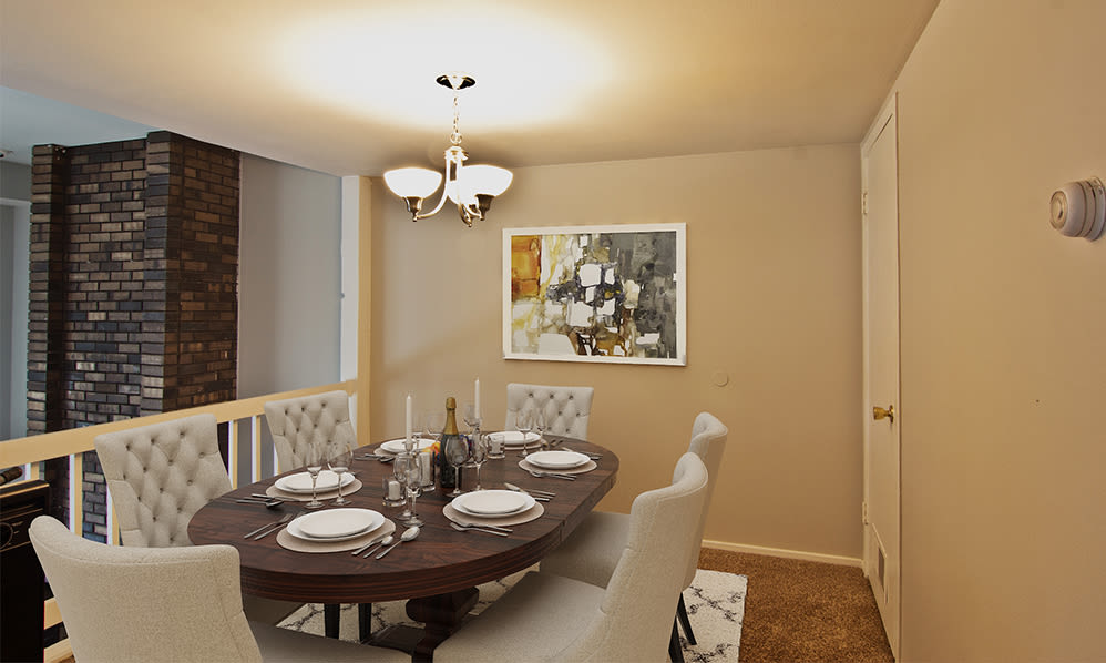 Dining room at Nineteen North Apartments in Pittsburgh, Pennsylvania