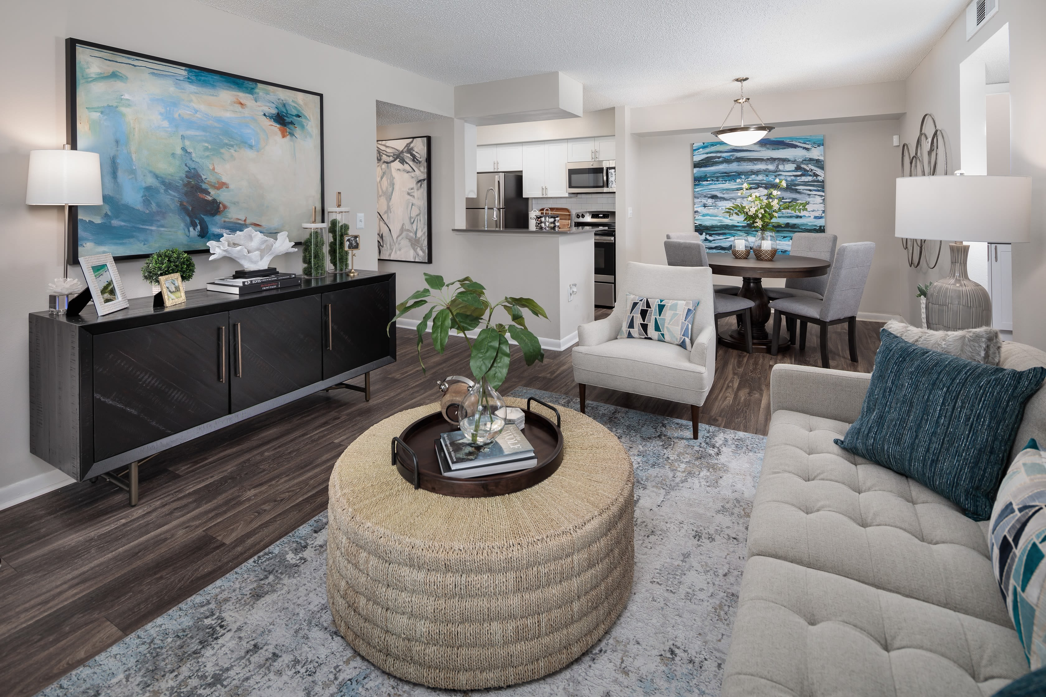 A furnished apartment living room at Onyx Winter Park in Casselberry, FL