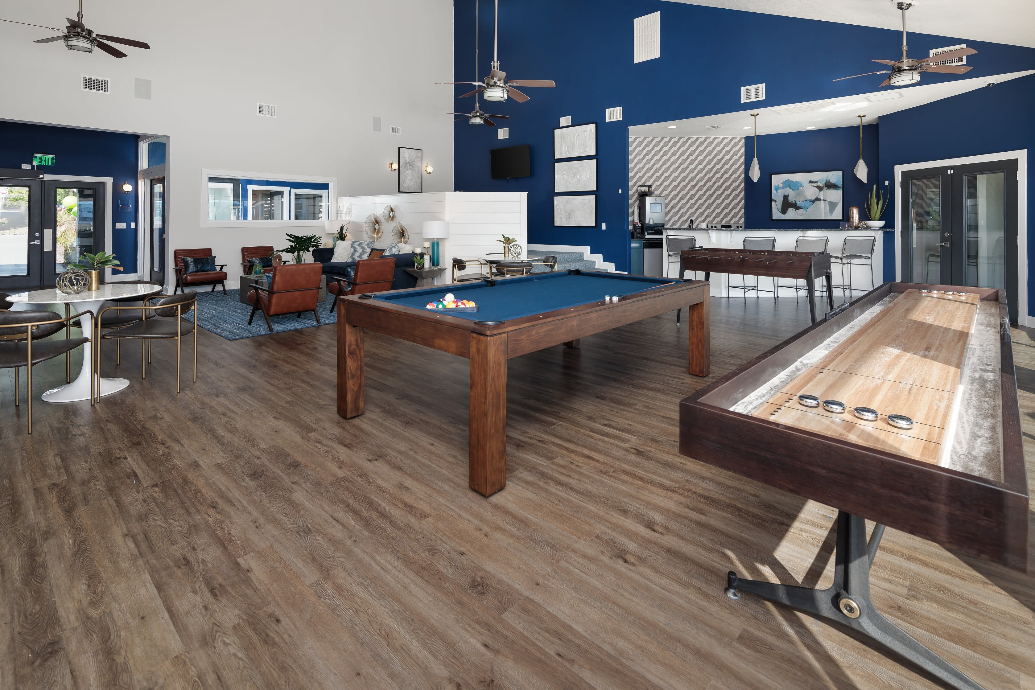 Onsite pool table for residents at Onyx Winter Park in Casselberry, Florida