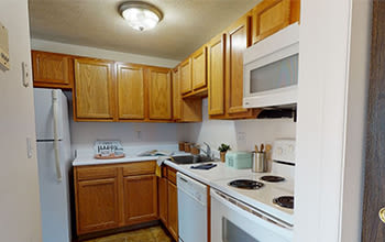 Virtual tour of a one bedroom apartment at Henrietta Highlands in Henrietta, New York