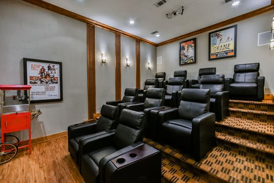 Beautifully furnished resident clubhouse lounge at Stone Creek at The Woodlands in The Woodlands, Texas