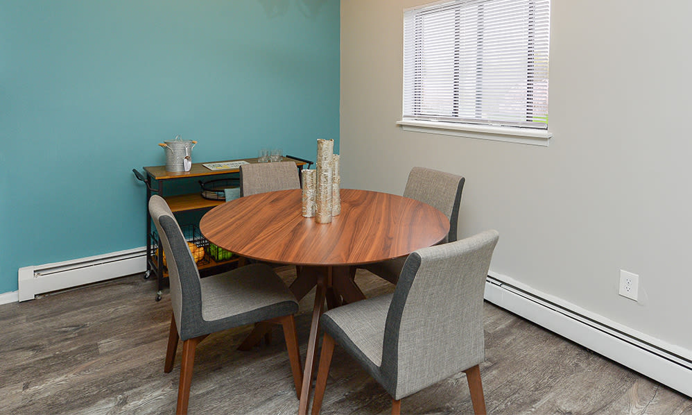 Dining rooml at Imperial Gardens Apartment Homes in Middletown, NY
