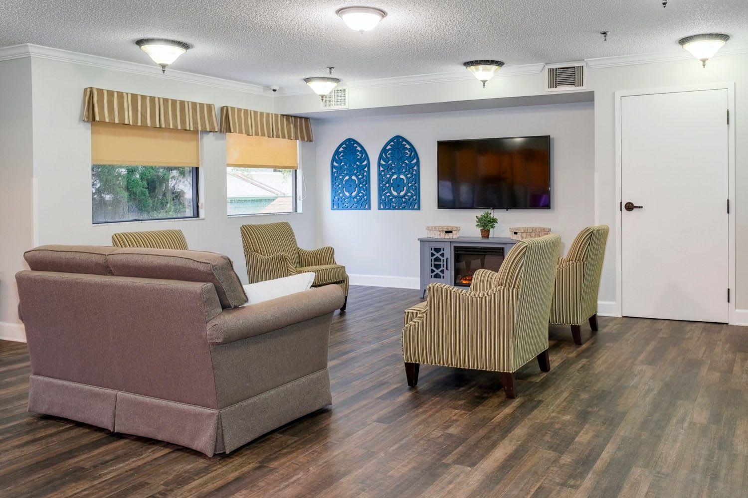 Couches at Grand Villa of Ormond Beach in Florida