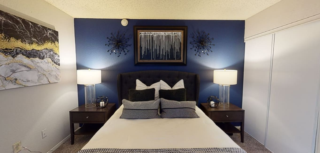 View virtual tour of a 2 bedroom 1 bathroom apartment at Canopy on Central in Bedford, Texas