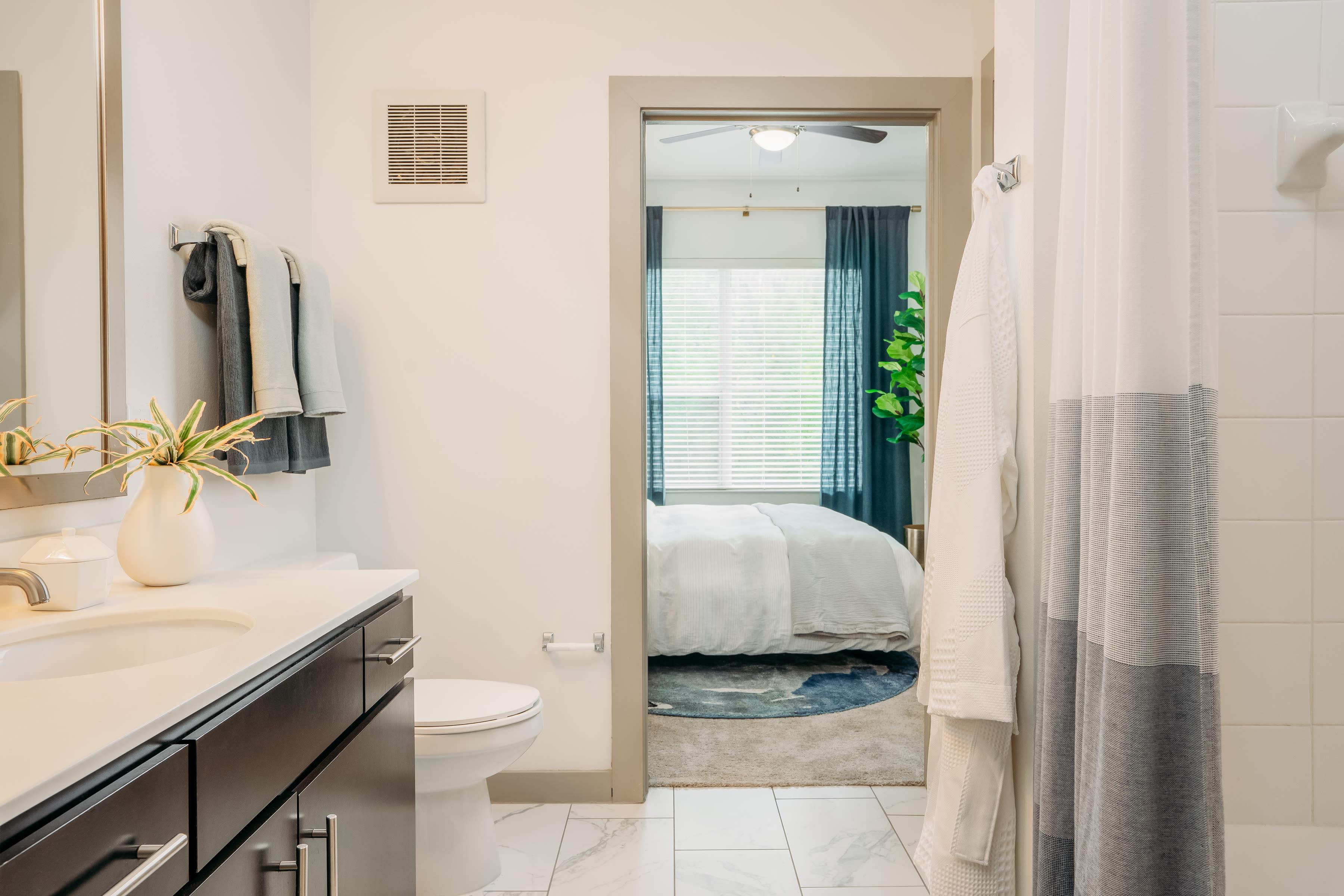 Elegant bathroom at Lakeshore Pearl in Austin, Texas