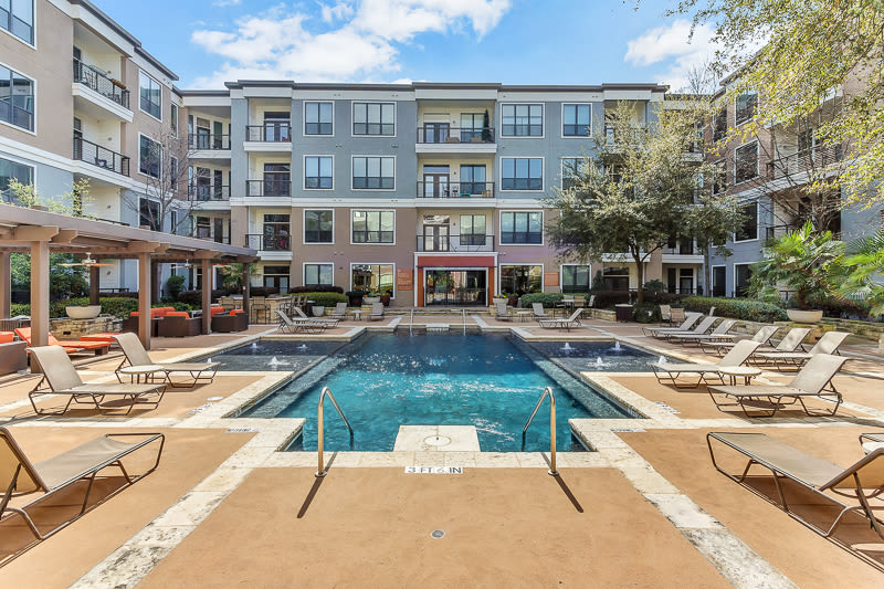 resort style pool at Seville Uptown in Dallas, Texas