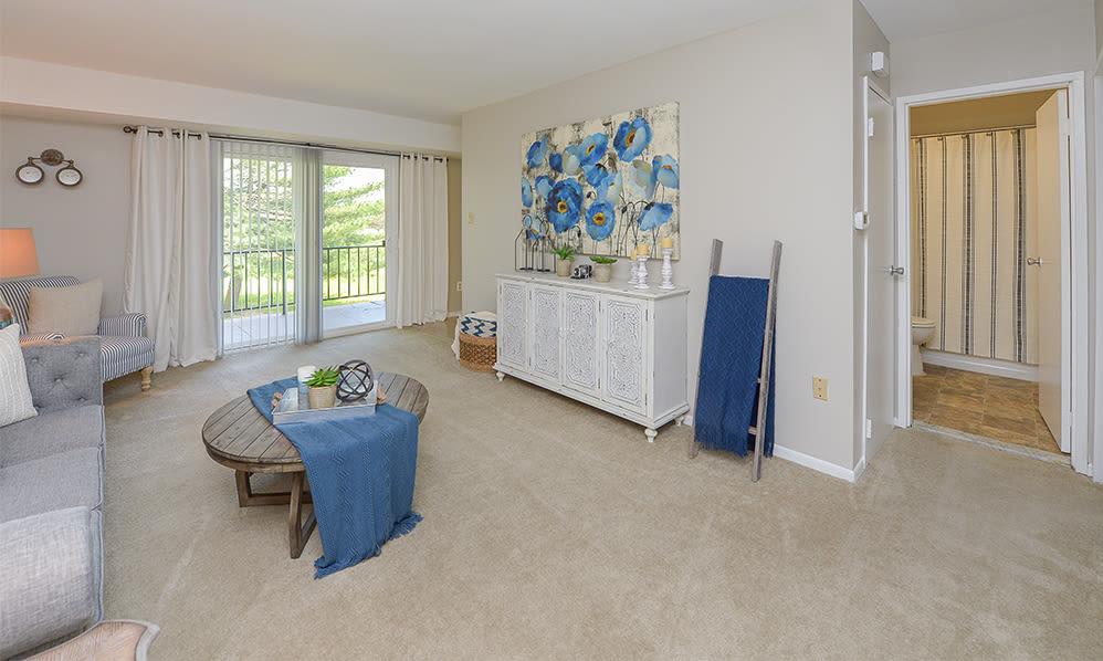 Living Room at Lumberton Apartment Homes in Lumberton, New Jersey