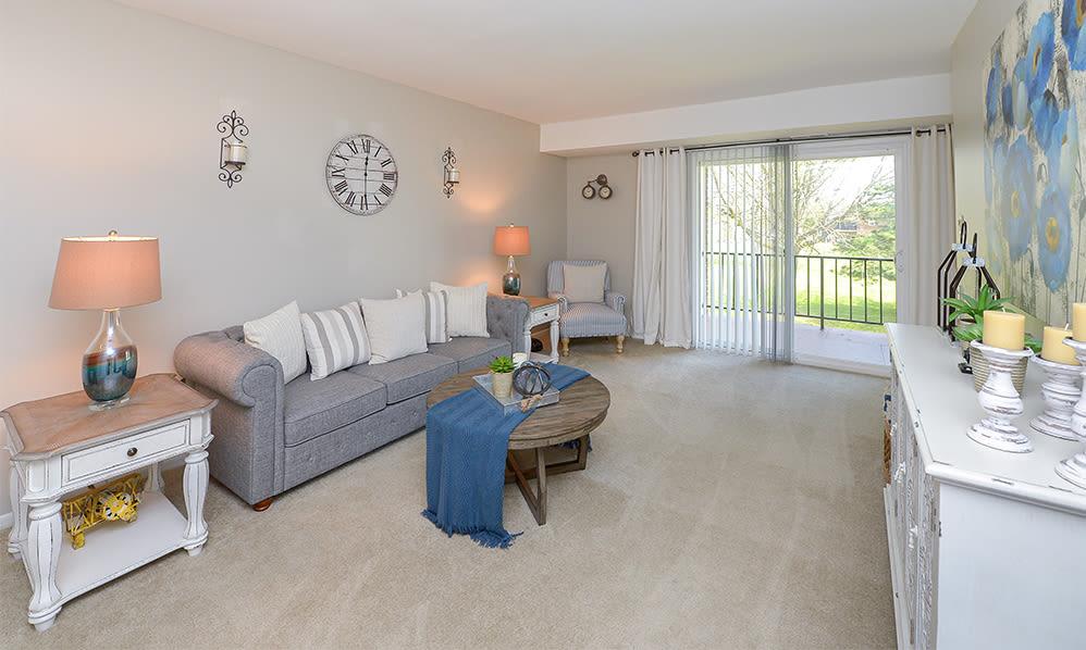 Spacious Living Room at Lumberton Apartment Homes in Lumberton, NJ
