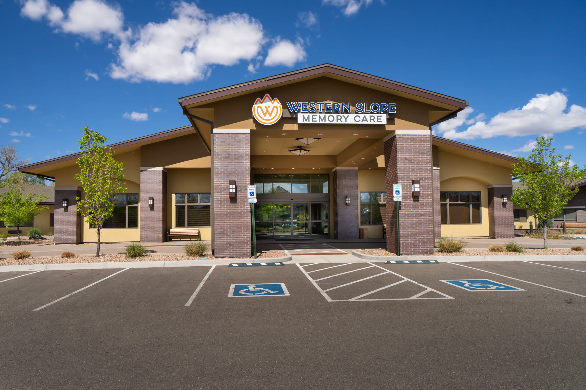 Welcoming front entrance of Western Slope Memory Care in Grand Junction, Colorado