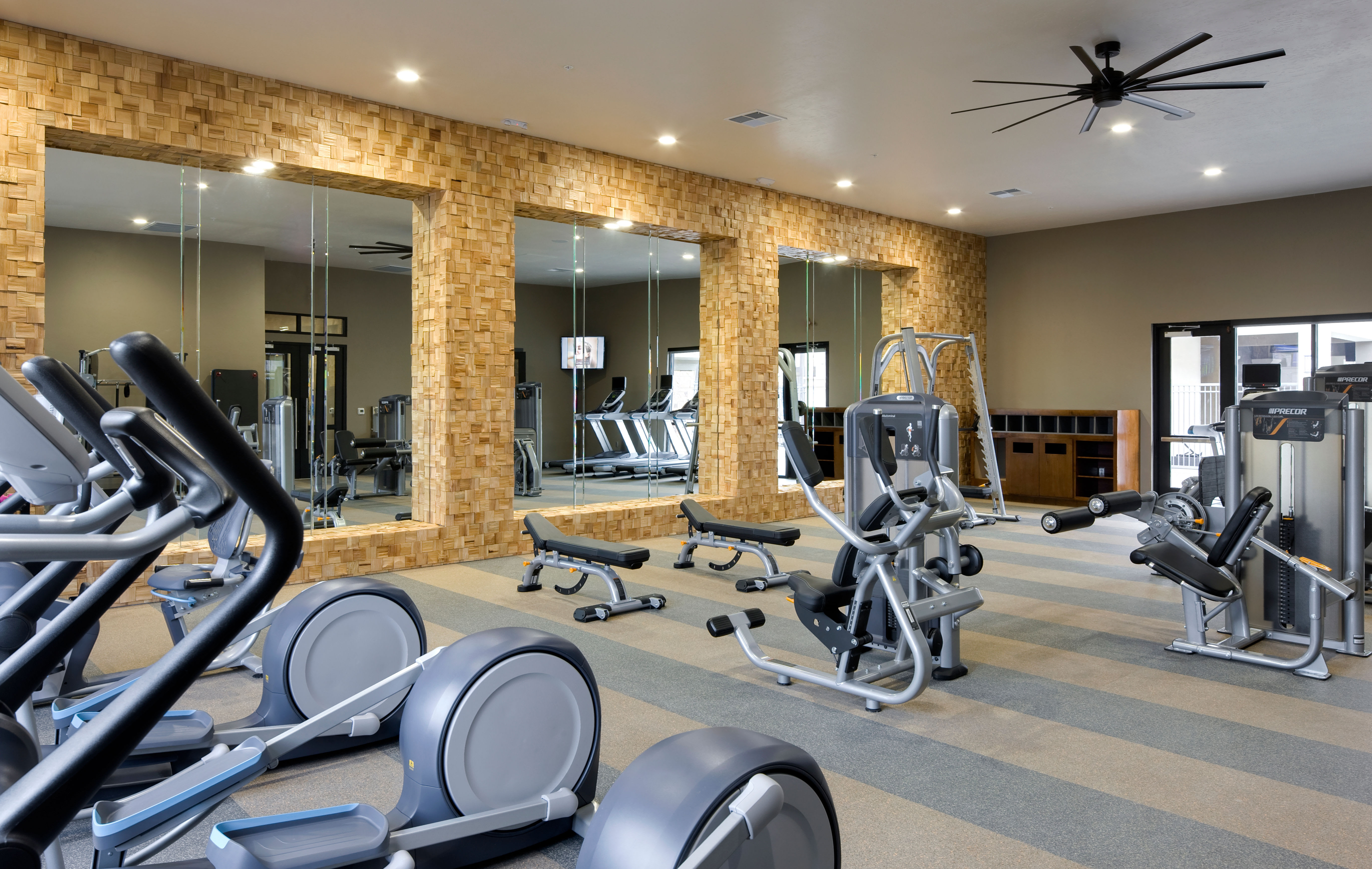 Very well-equipped onsite fitness center at Olympus Alameda in Albuquerque, New Mexico
