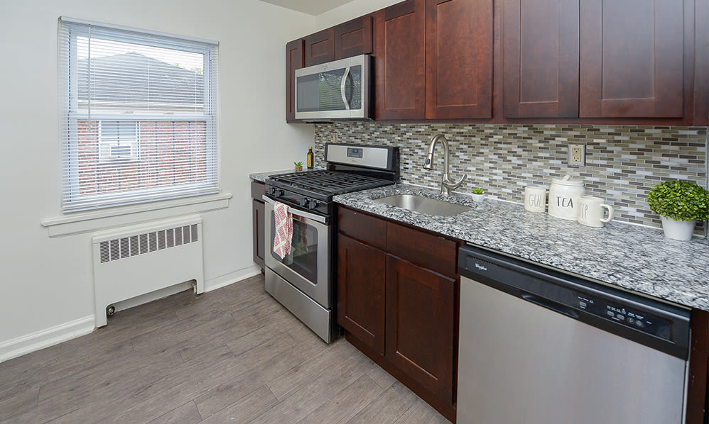 Fully-equipped kitchen at Duncan Hill Apartments & Townhomes in Westfield, New Jersey