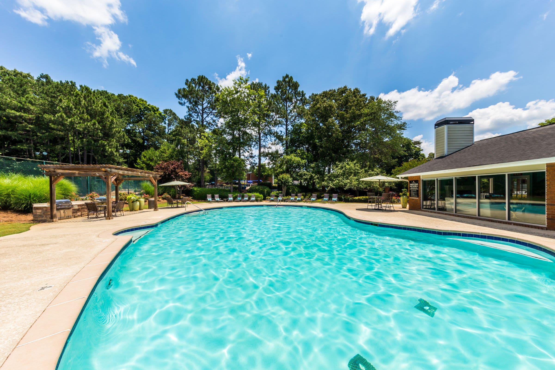 Large swimming pool at Marquis at Perimeter Center in Atlanta, Georgia