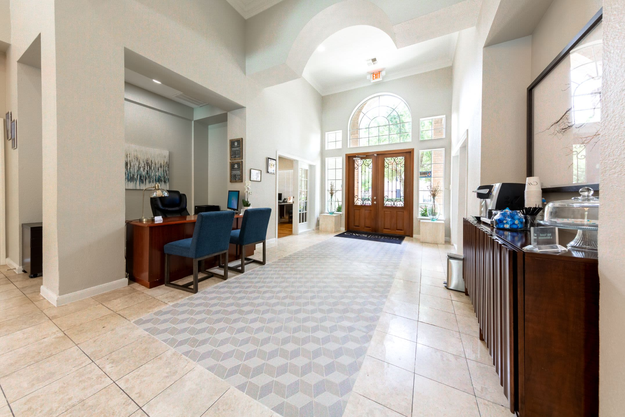 Interior lobby area at Marquis at Westchase in Houston, Texas