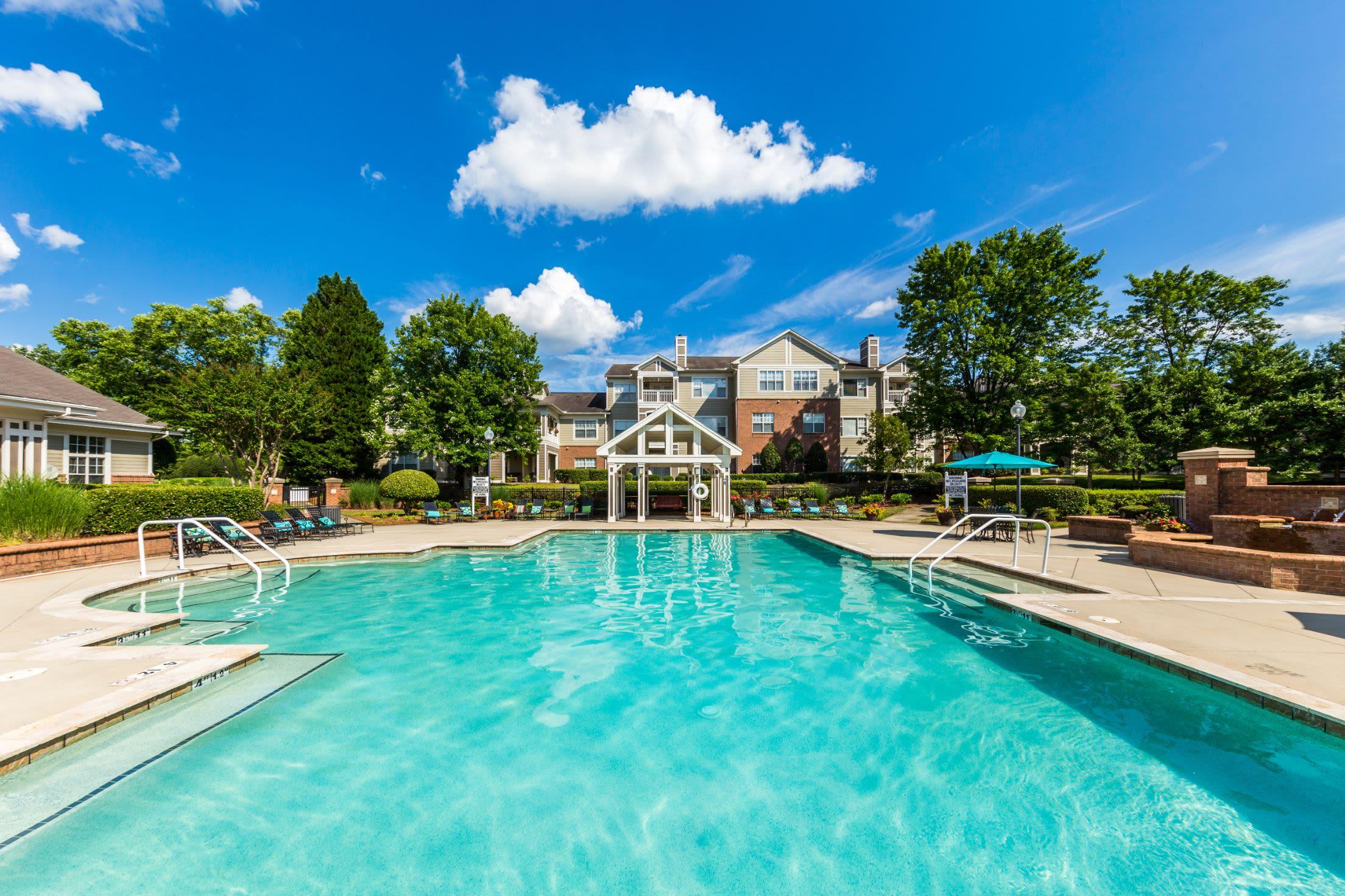 Spakling swimming pool at The Preserve at Ballantyne Commons in Charlotte, North Carolina
