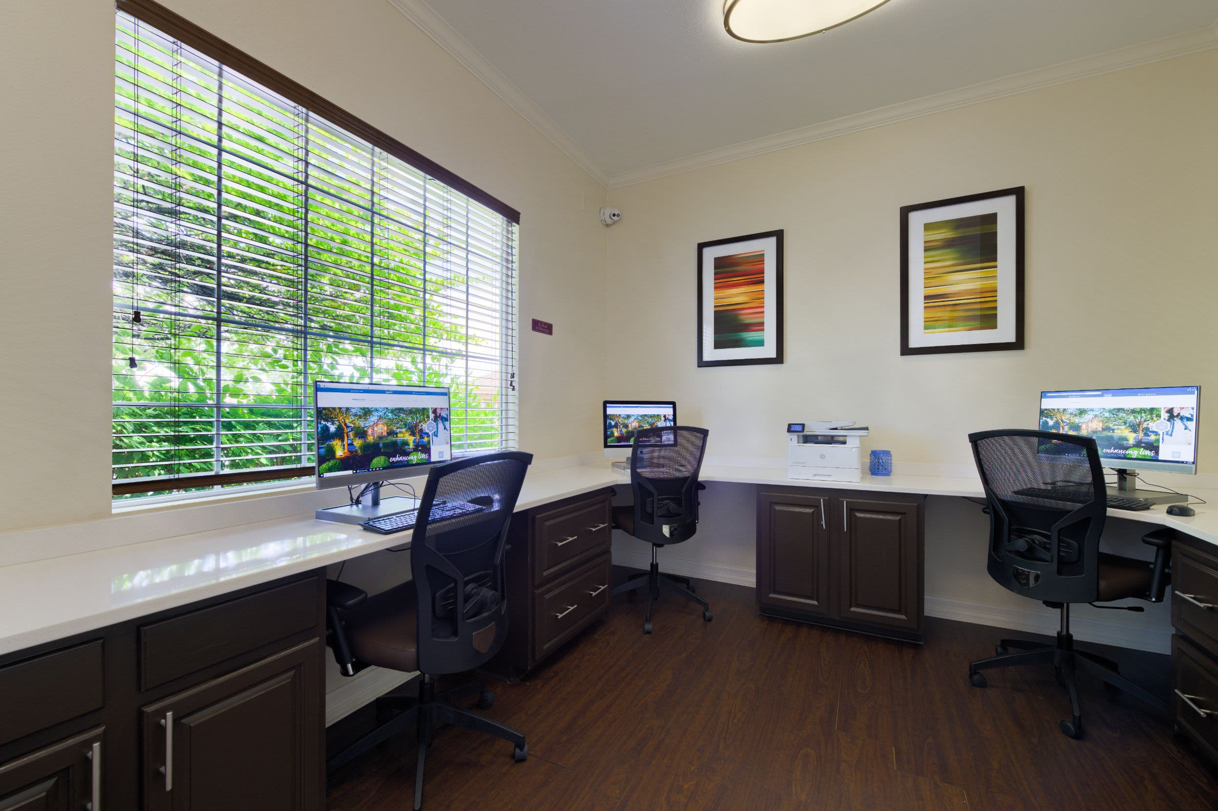 Business center at Whisper Creek Apartment Homes in Lakewood, Colorado