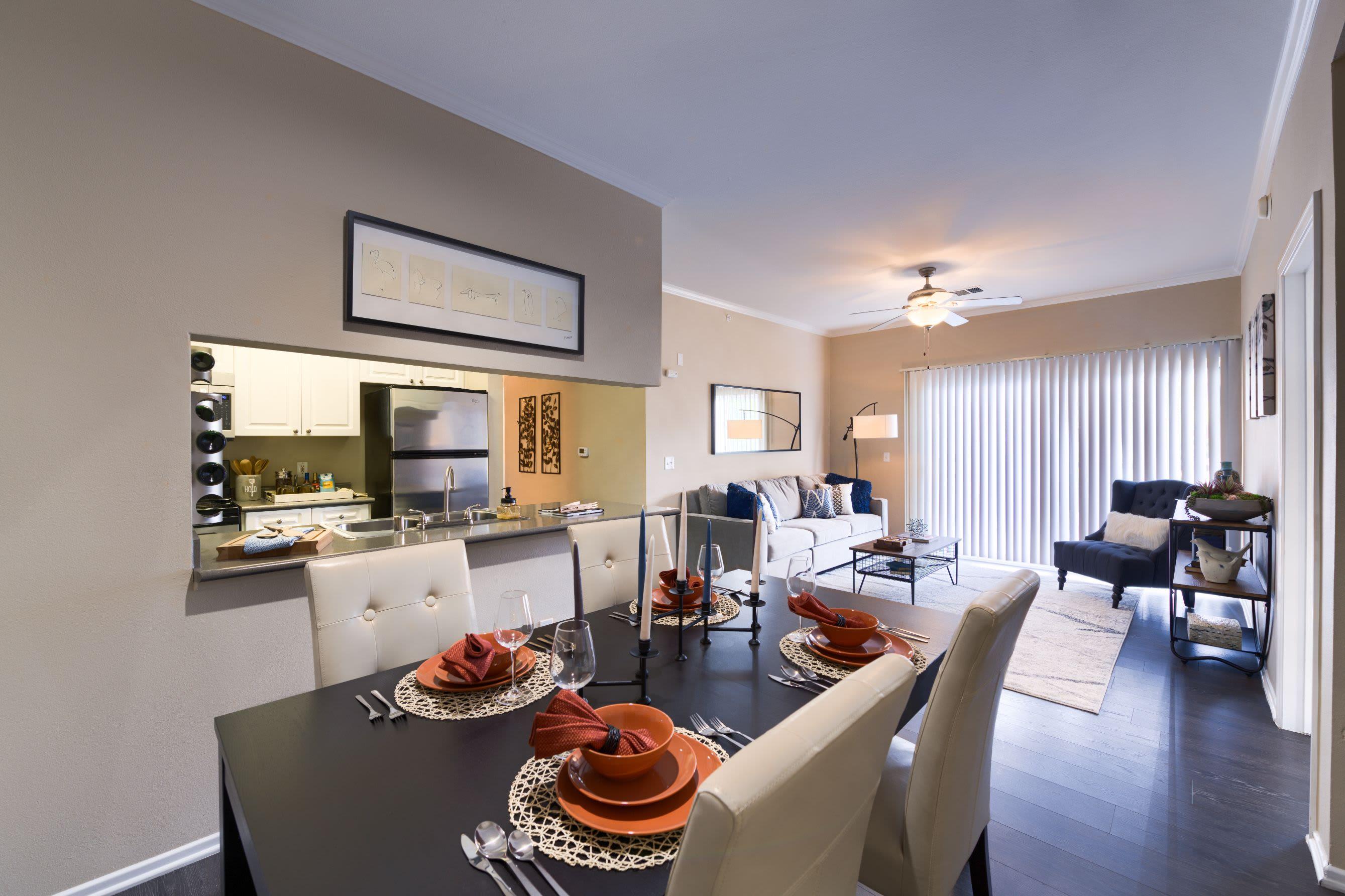 24-Hour Maintenance Guarantee at Whisper Creek Apartment Homes in Lakewood, Colorado