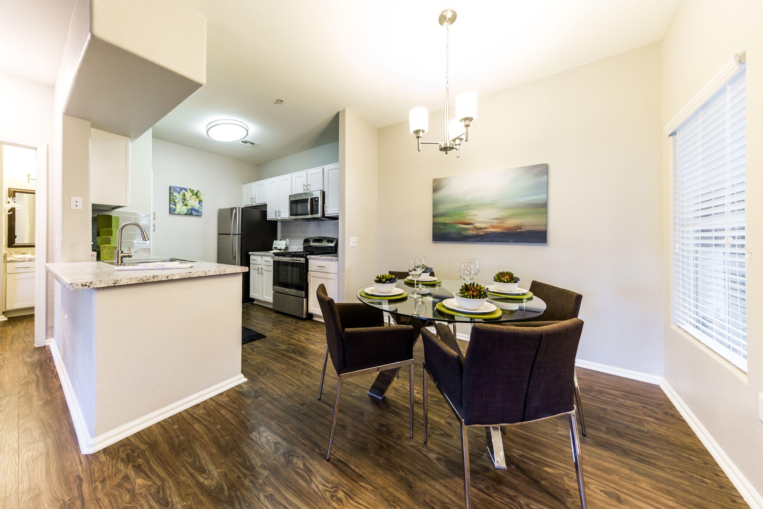 Bright dining area at Marquis at Arrowhead in Peoria, Arizona