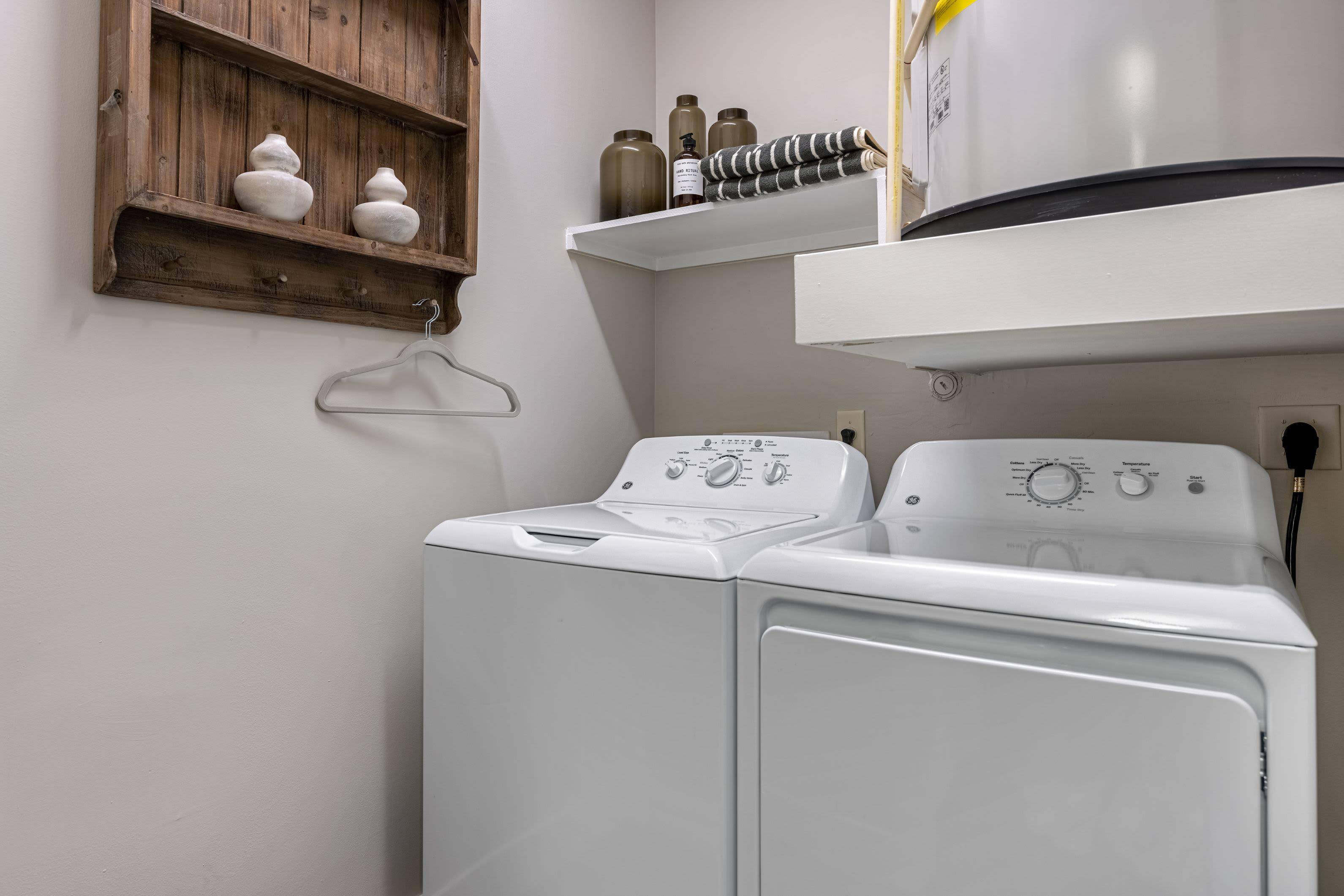 Washer and dryer at Marquis Cresta Bella in San Antonio, Texas