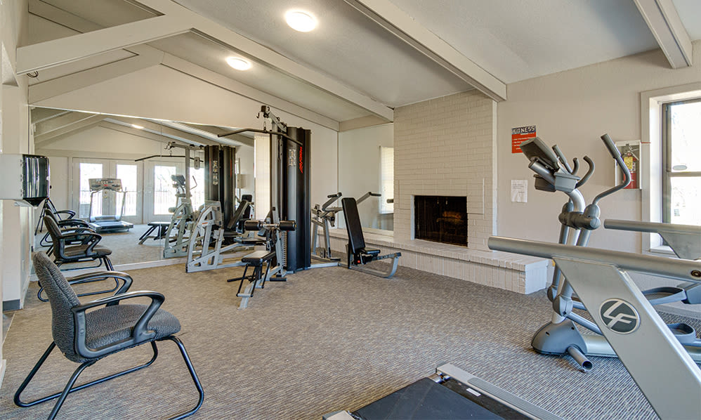 Fitness center at Autumn Woods Apartments & Townhomes in Jackson, Michigan