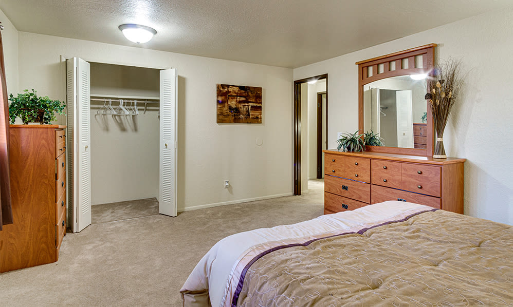 Bedroom at Autumn Woods Apartments & Townhomes in Jackson, Michigan