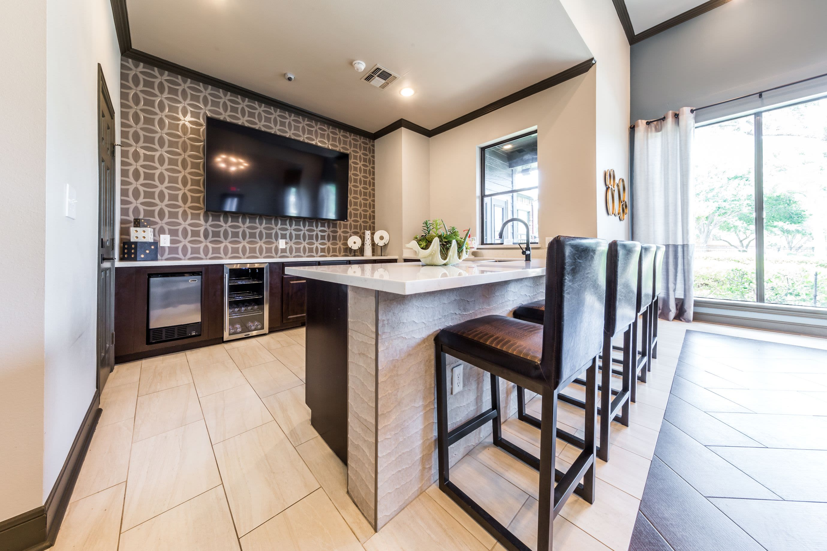 Breakfast bar in clubhouse kitchenette at Marquis at Stonebriar in Frisco, Texas