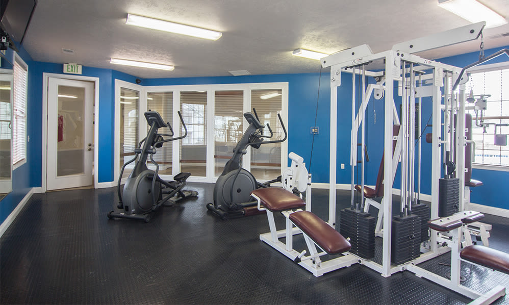 Fitness center at Avalon at Northbrook Apartments & Townhomes in Fort Wayne, Indiana