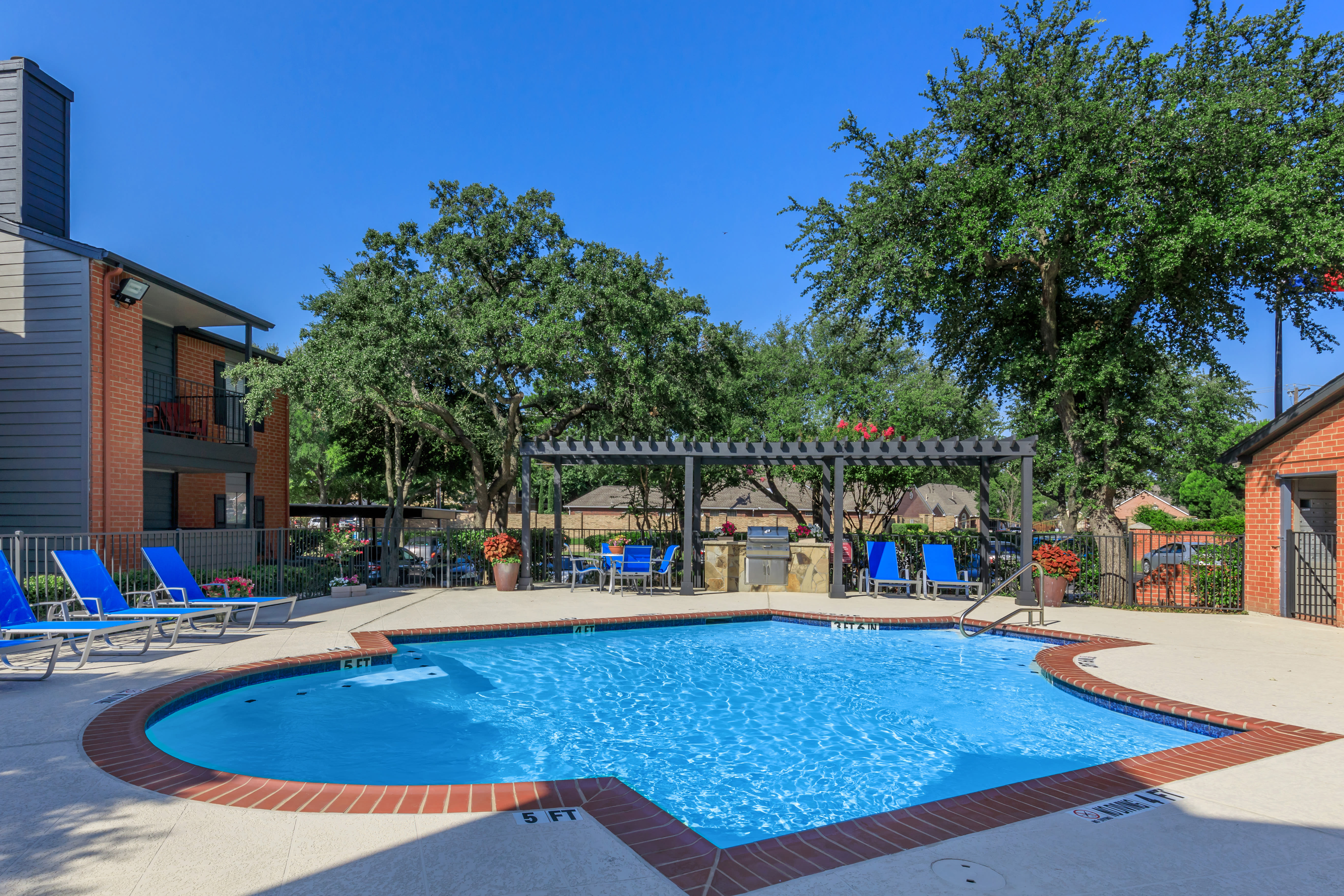 Luxurious pool at Windmill Terrace in Bedford, Texas