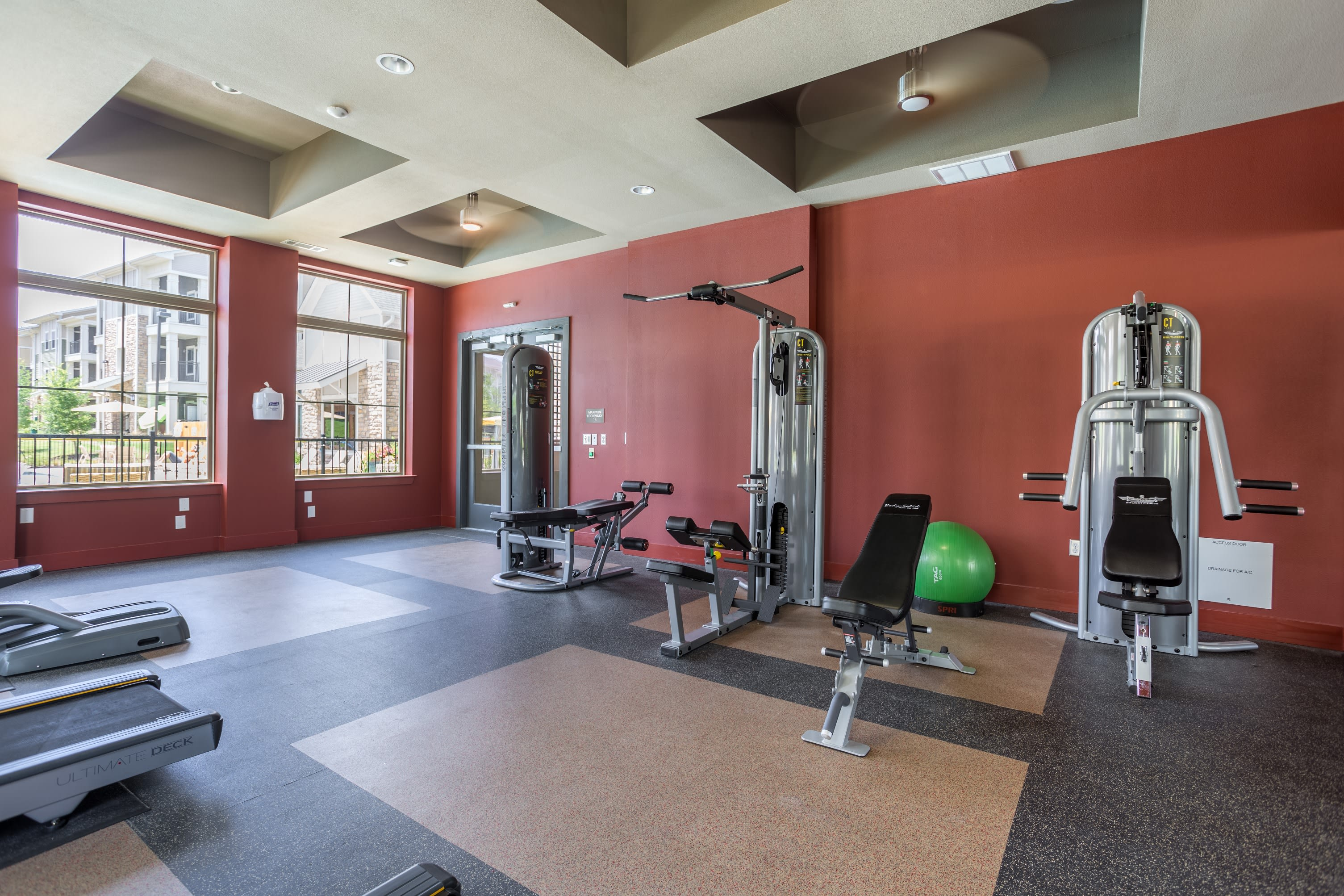Fitness center and equipment at Encore 281 in San Antonio, Texas