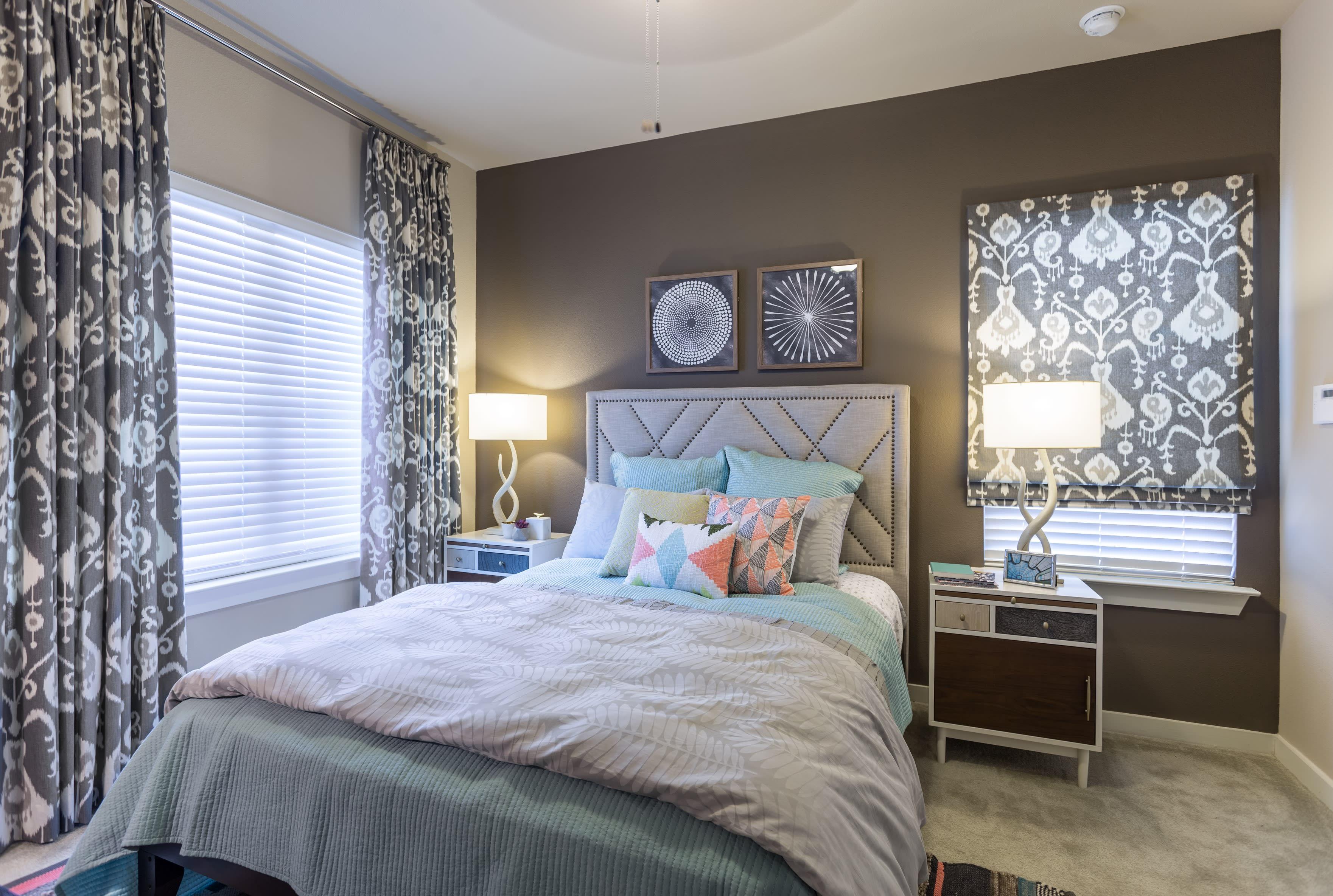 Welcoming bedroom at Encore 281 in San Antonio, Texas