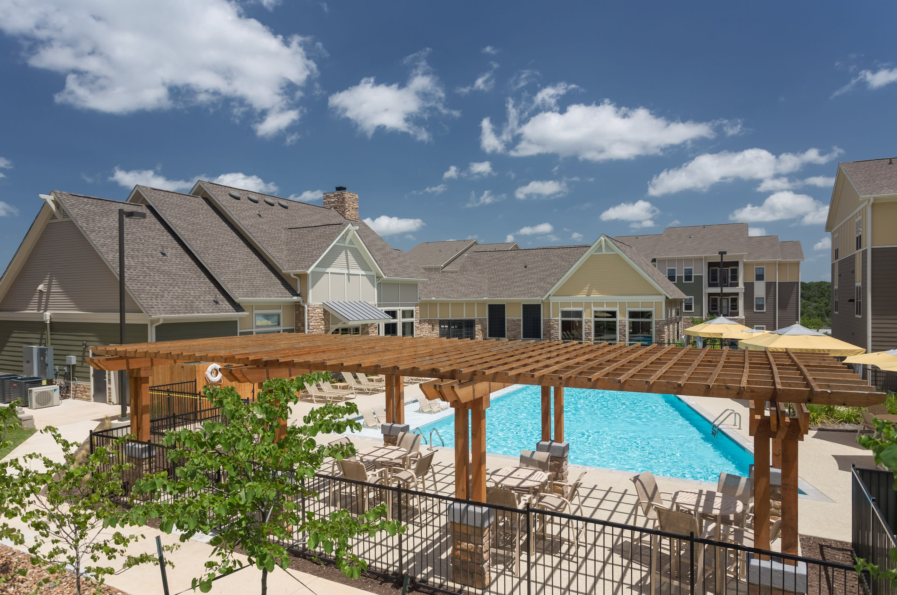 Sunny view of pool and cabana at Encore 281 in San Antonio, Texas