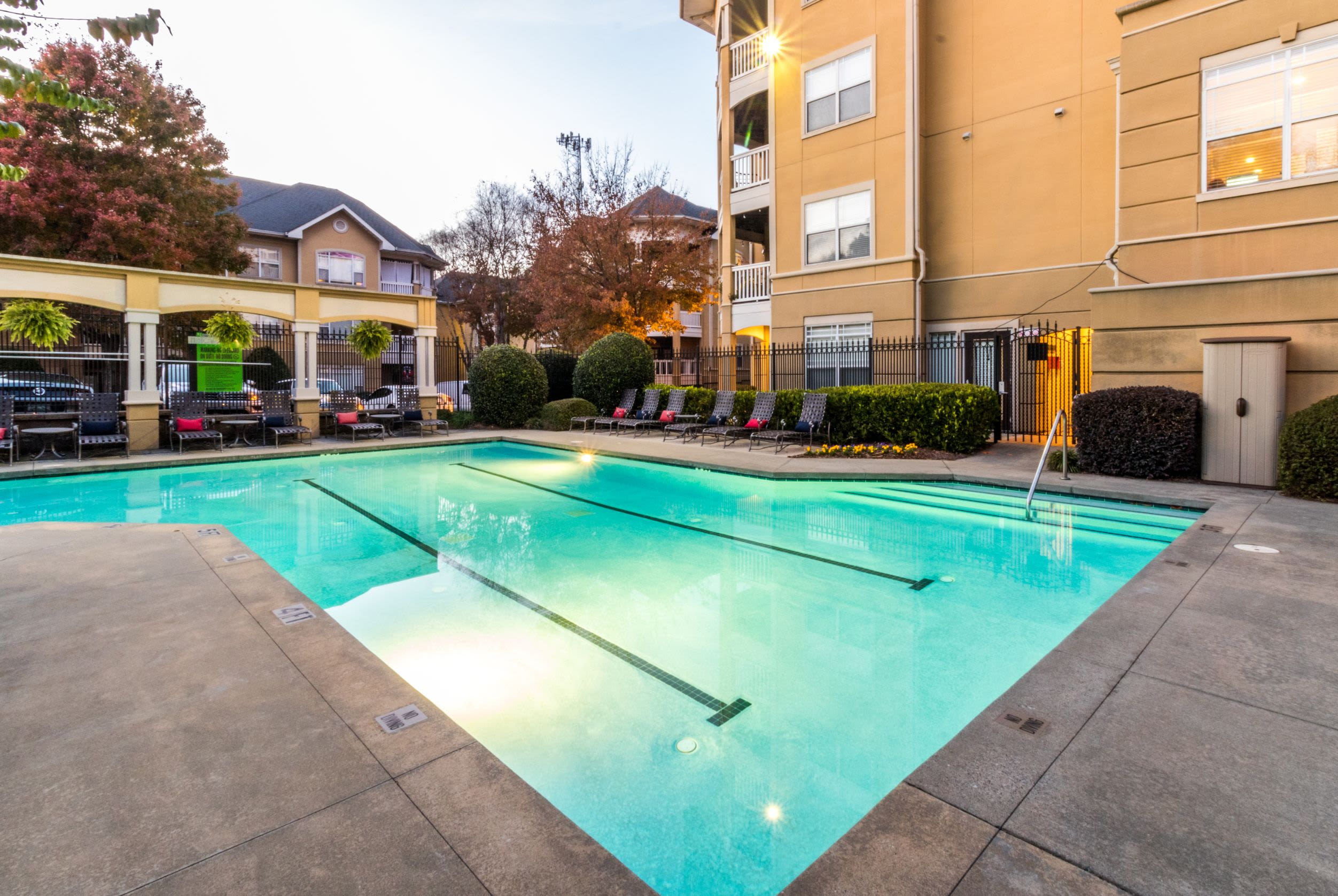 Pool with lines for lap swimming at Marquis Midtown West in Atlanta, Georgia