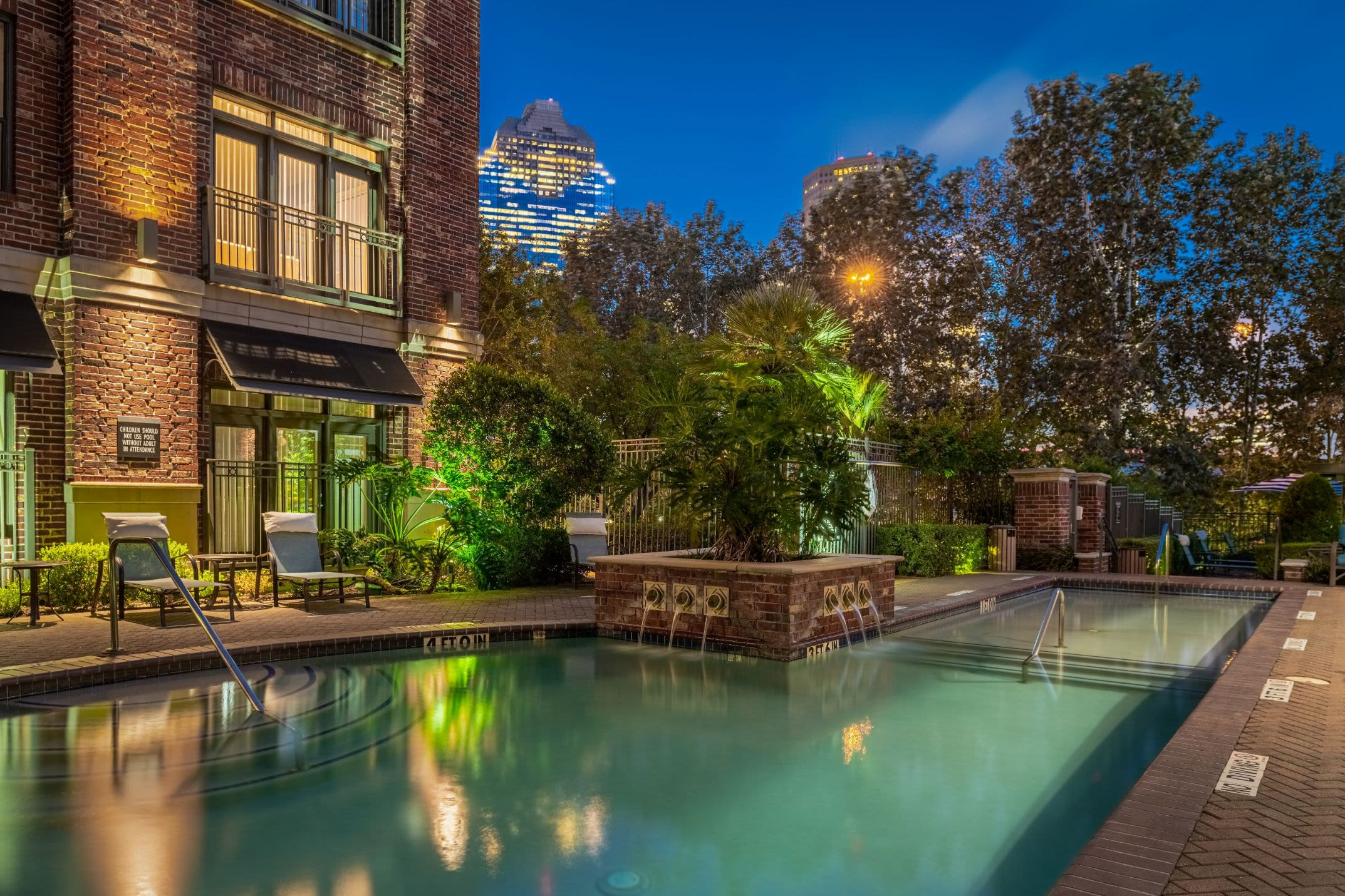 Amenities at Marquis Lofts on Sabine in Houston, Texas