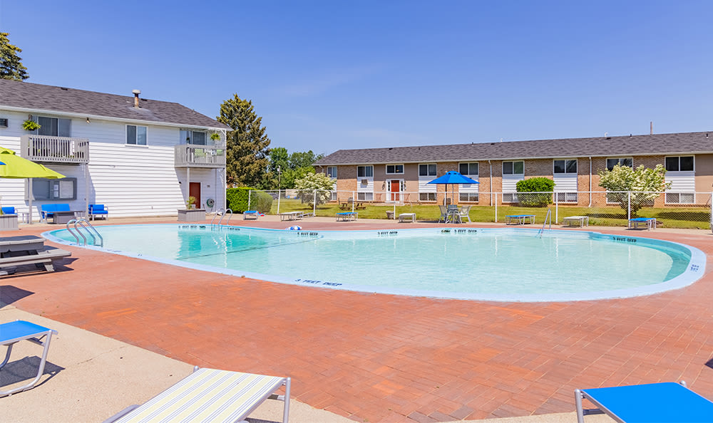 Sparkling swimming pool at Glenbrook Manor in Rochester, New York
