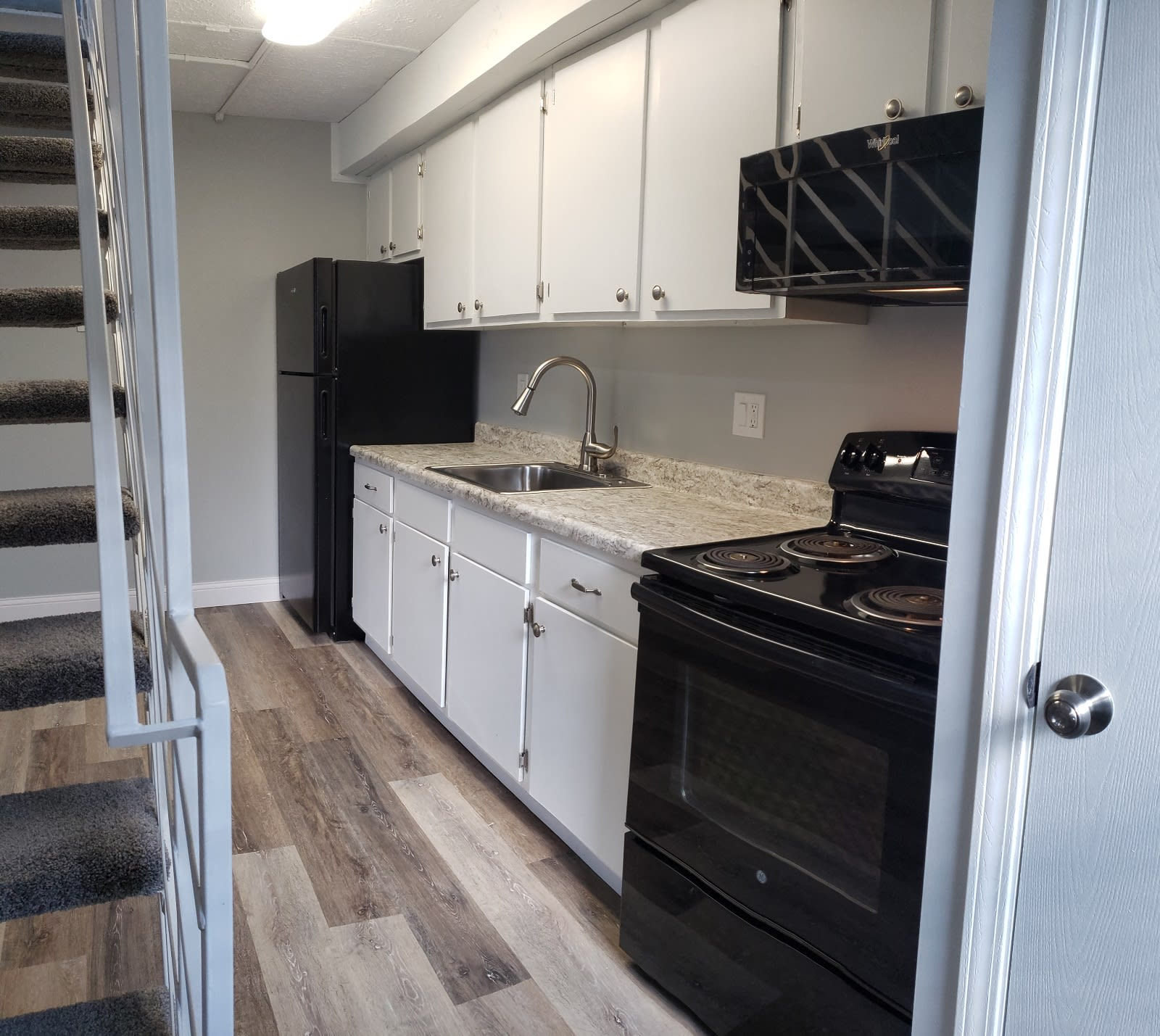 Model kitchen at Brittany Bay Apartments and Townhomes in Groveport, Ohio