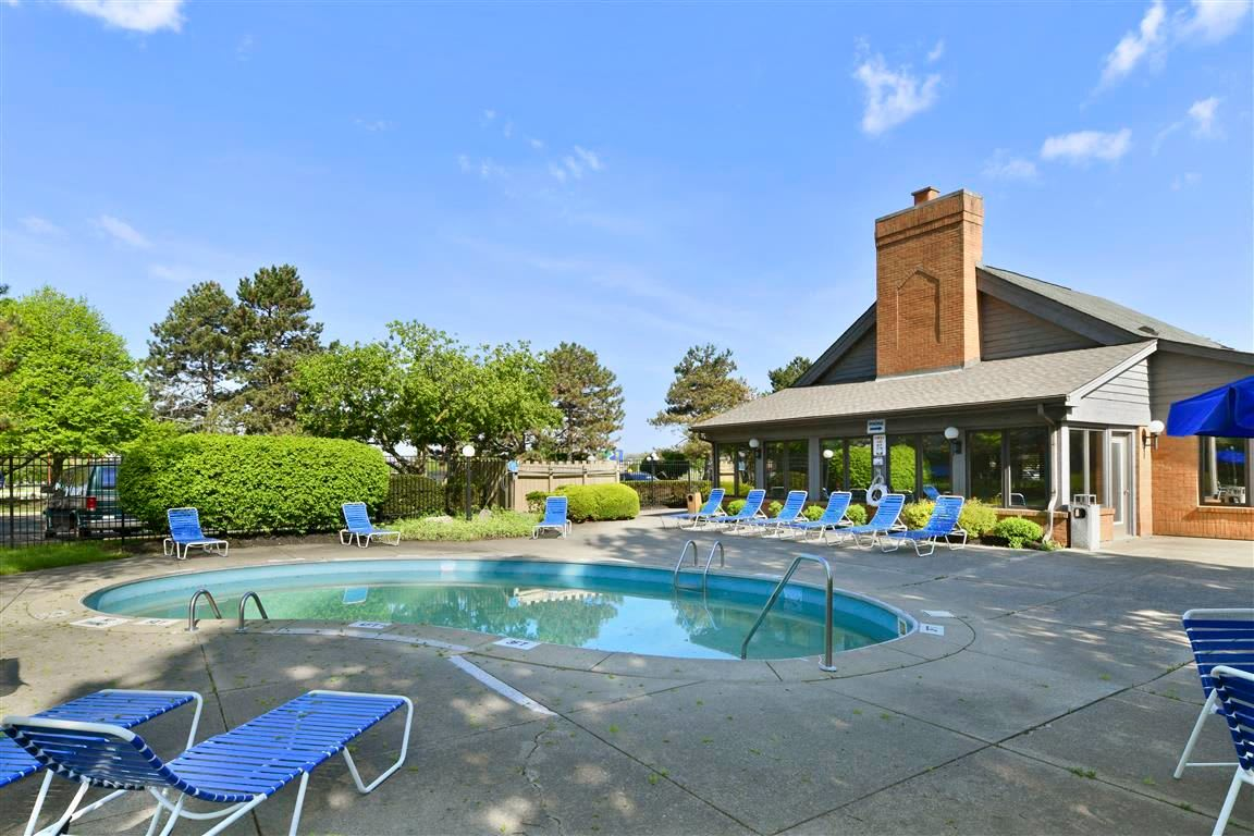 Sparkling pool at Brittany Bay Apartments and Townhomes in Groveport, Ohio