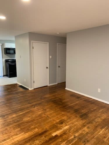 Living room ready to move in at Andrus Court Apartments in Columbus, Ohio