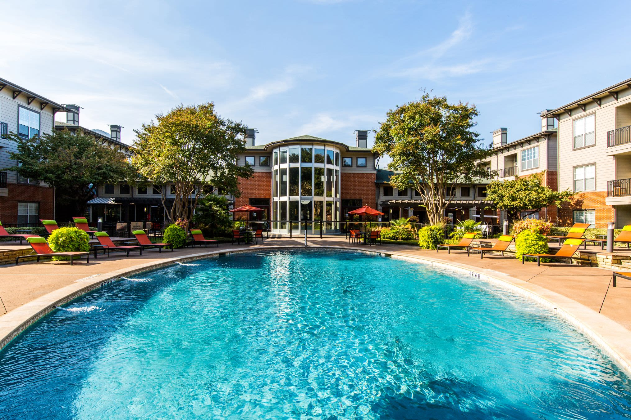 Sparkling swimming pool at Marquis on Gaston in Dallas, Texas
