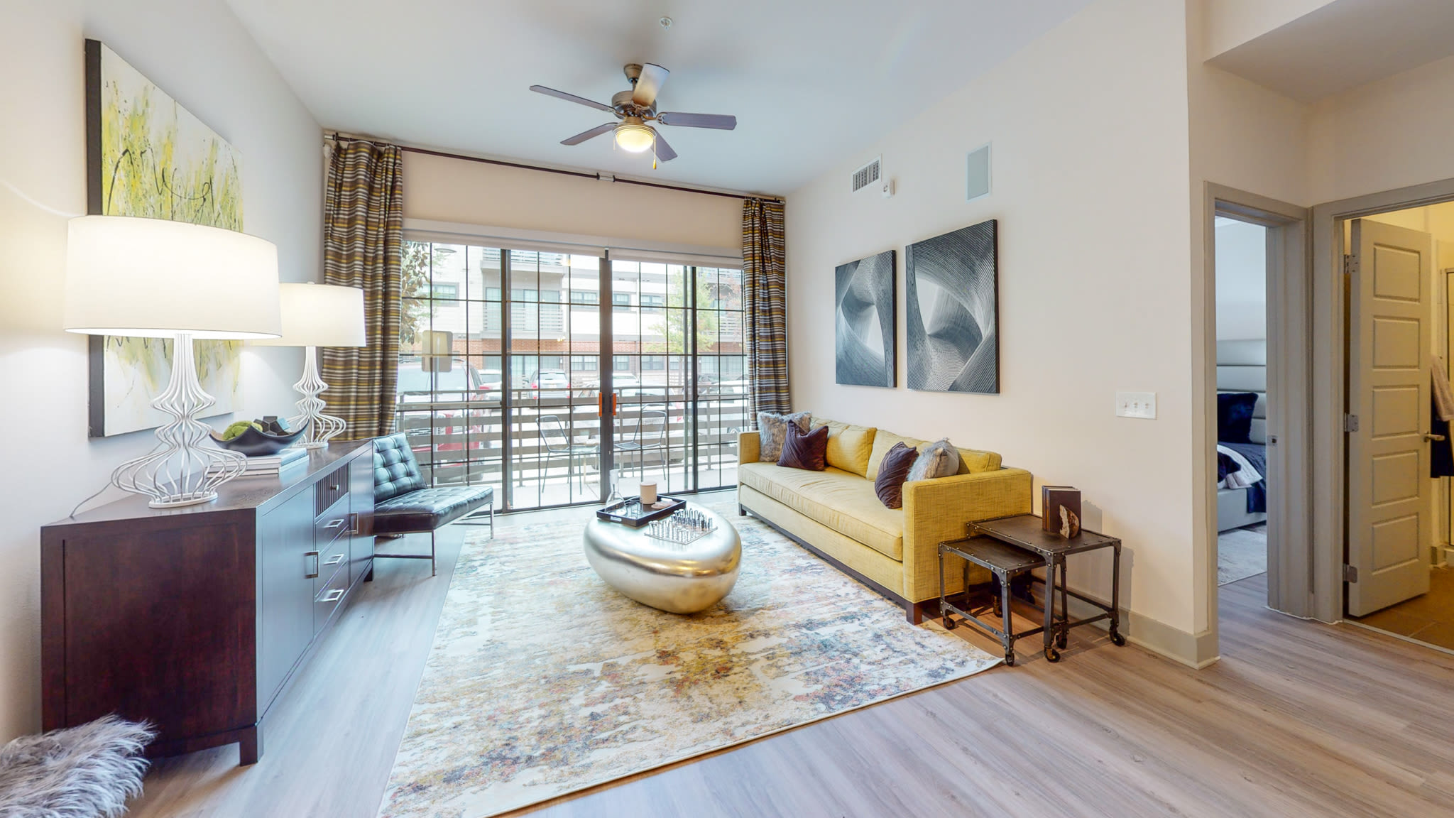 Spacious modern furnished living room at Bellrock Bishop Arts in Dallas, Texas