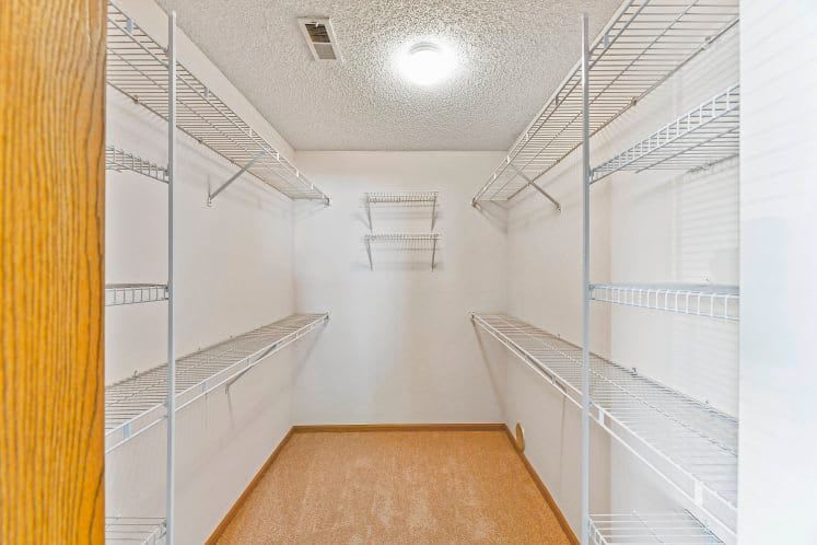 Walk-in closets at Waterford Harbour in Groveport, Ohio
