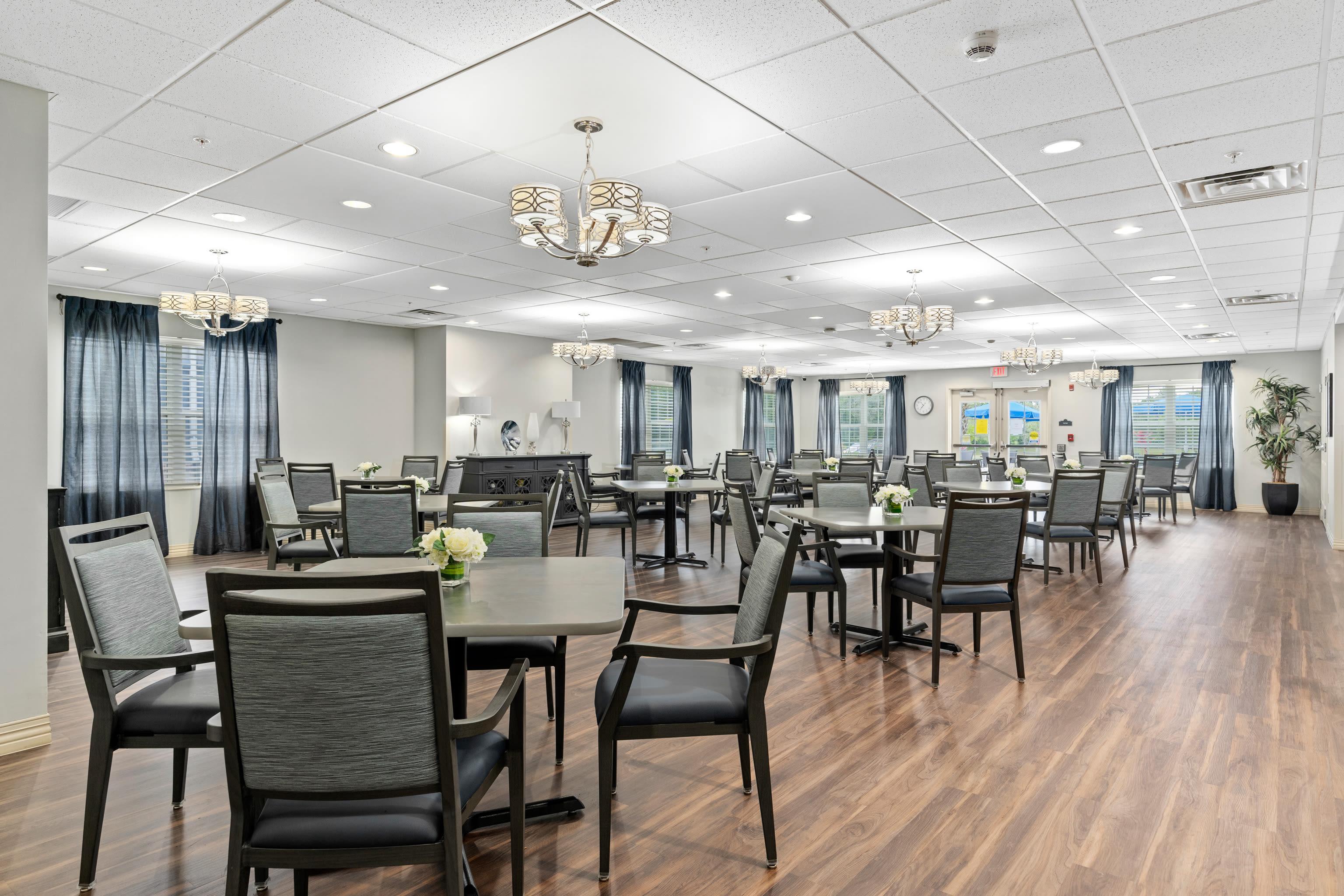 Grand dining hall at Gentry Park Orlando in Orlando, FL