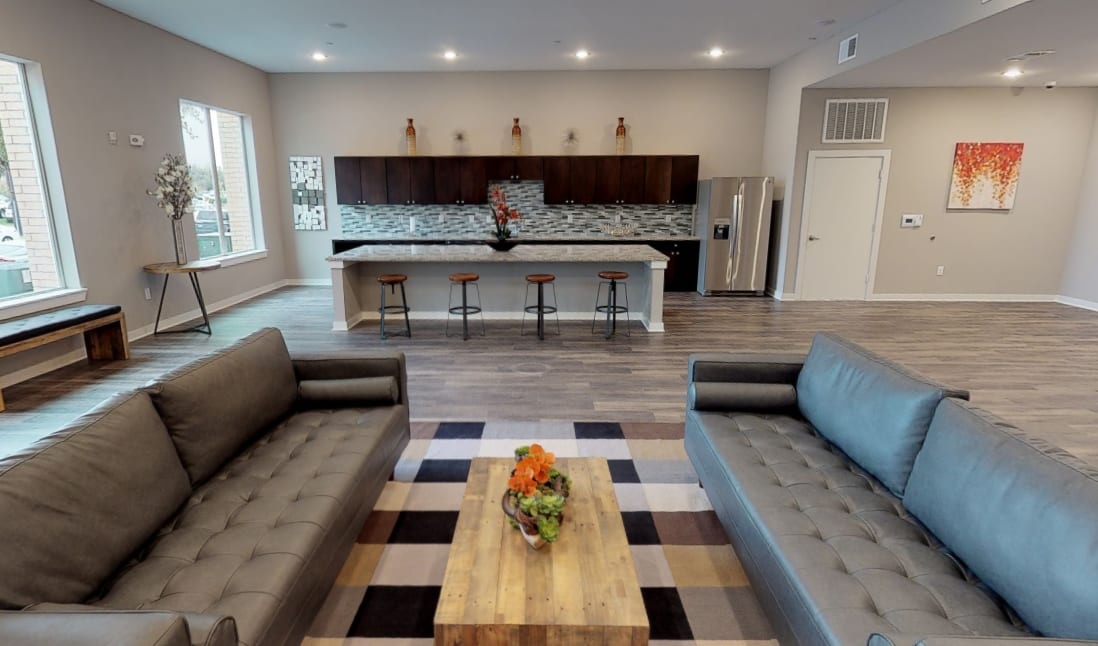 View virtual tour of the resident lounge at Aspire at 610 in Houston, Texas