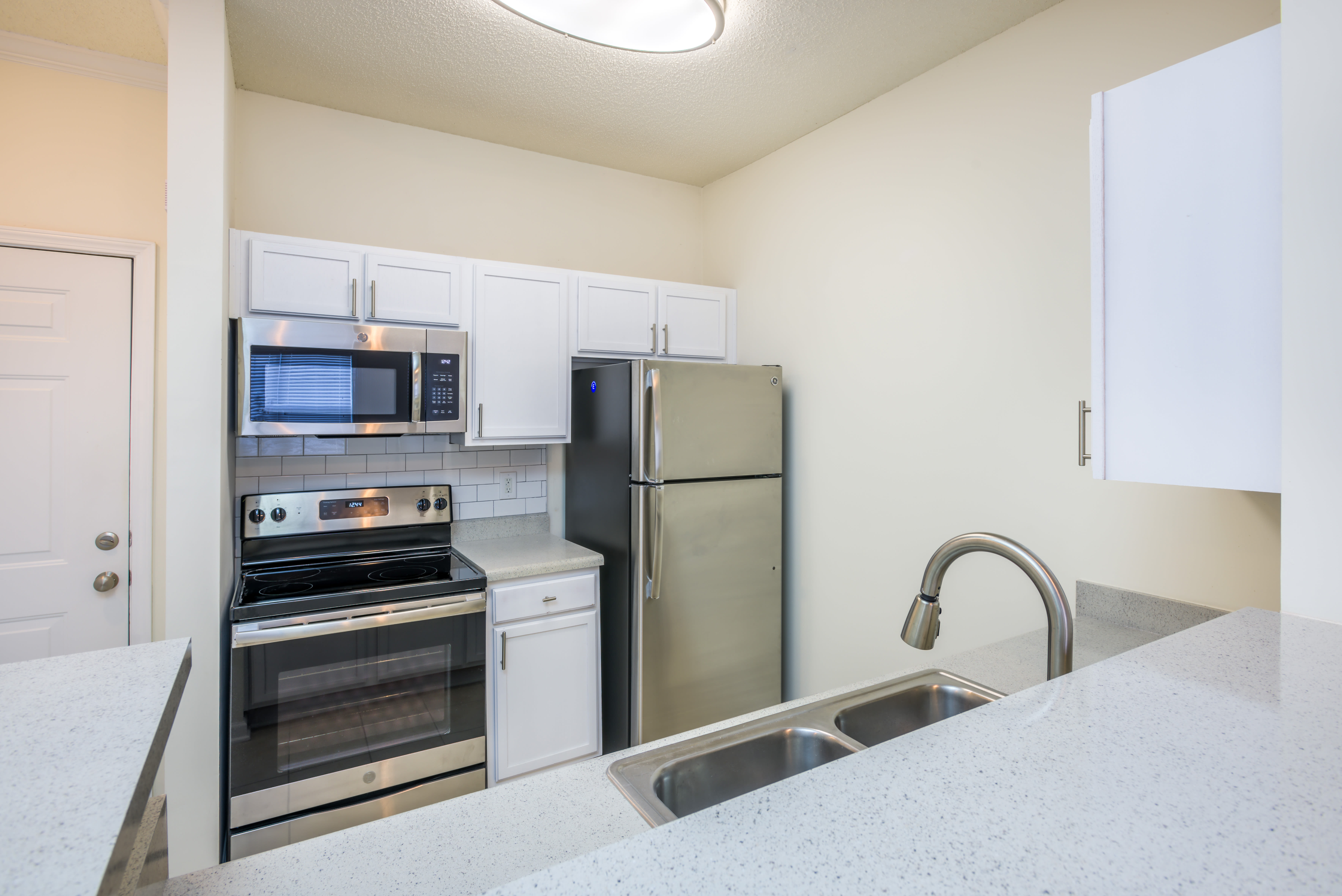 View virtual tour for 1 bedroom 1 bathroom unit at The Avant at Steele Creek in Charlotte, North Carolina